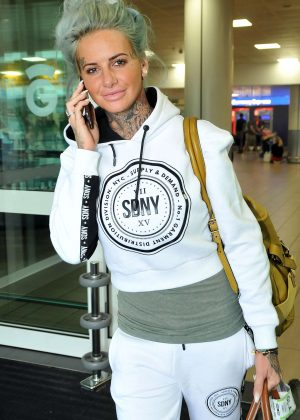 Jemma Lucy - Arriving at Airport in Glasgow