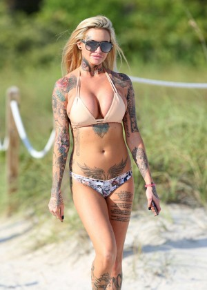 Jemma Lucy in Blue Bikini in Dubai Pic 2 of 35