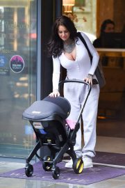 Jemma Lucy - Out with her newborn baby daughter in Manchester