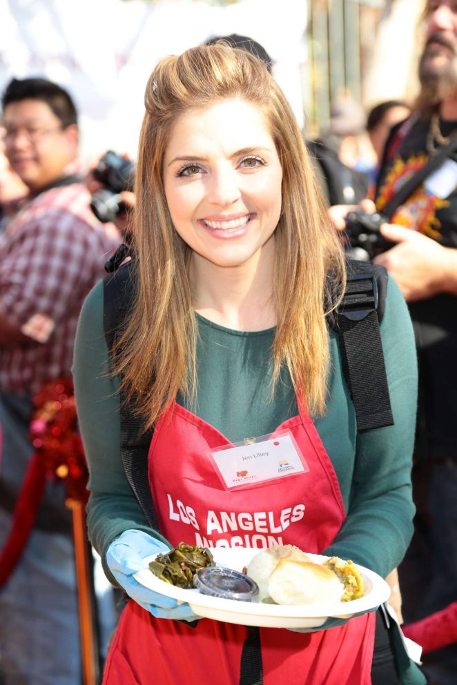 Jen Lilley: 2016 Annual Thanksgiving Dinner Celebration -03
