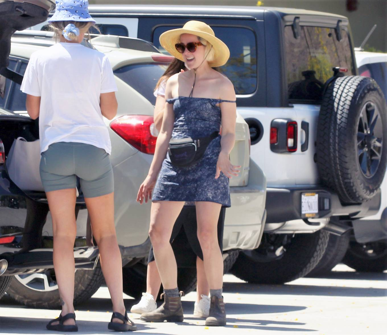 Jena Malone 2021 : Jena Malone – In blue summer mini dres on vacations in Palm Springs-05