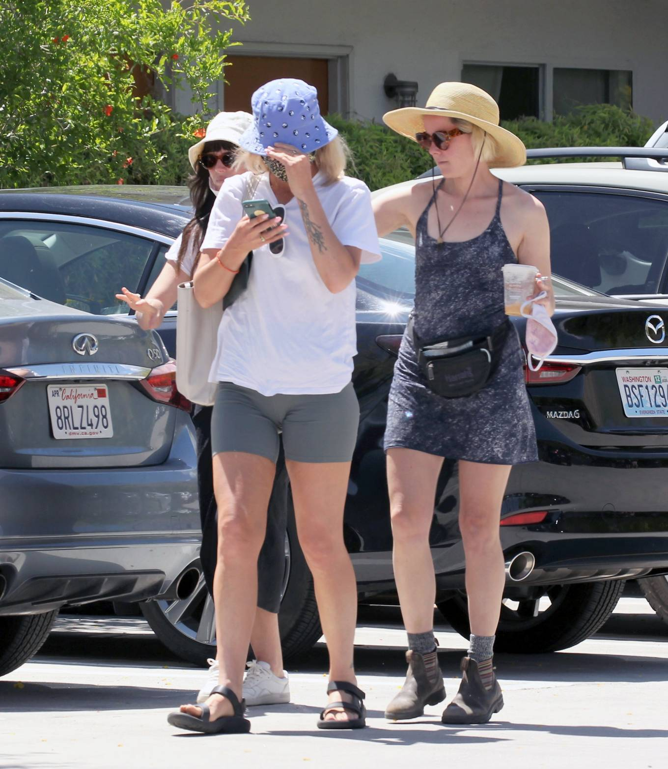 Jena Malone 2021 : Jena Malone – In blue summer mini dres on vacations in Palm Springs-12