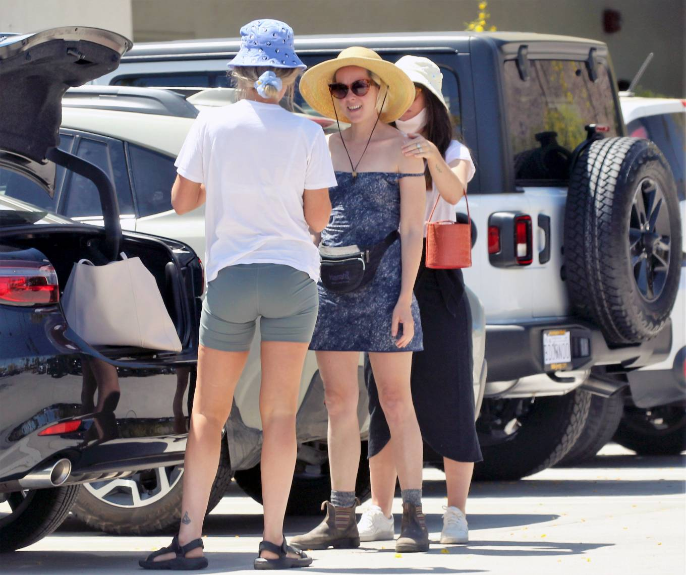 Jena Malone 2021 : Jena Malone – In blue summer mini dres on vacations in Palm Springs-19