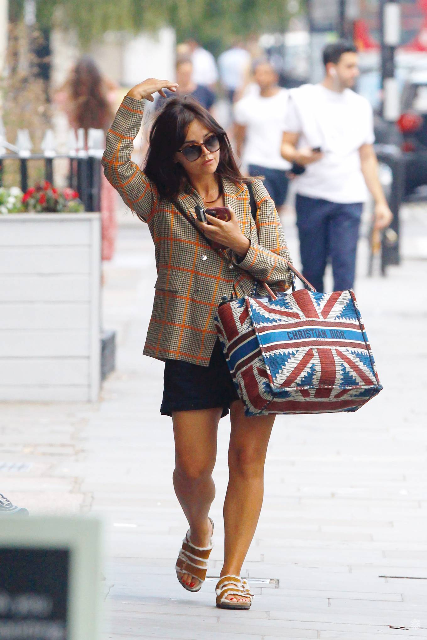 Jenna Coleman 2020 : Jenna Coleman – Shopping candids in London-01
