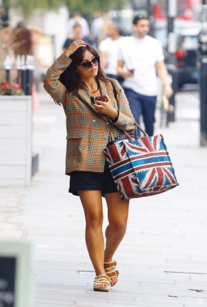Jenna Coleman - Shopping candids in London