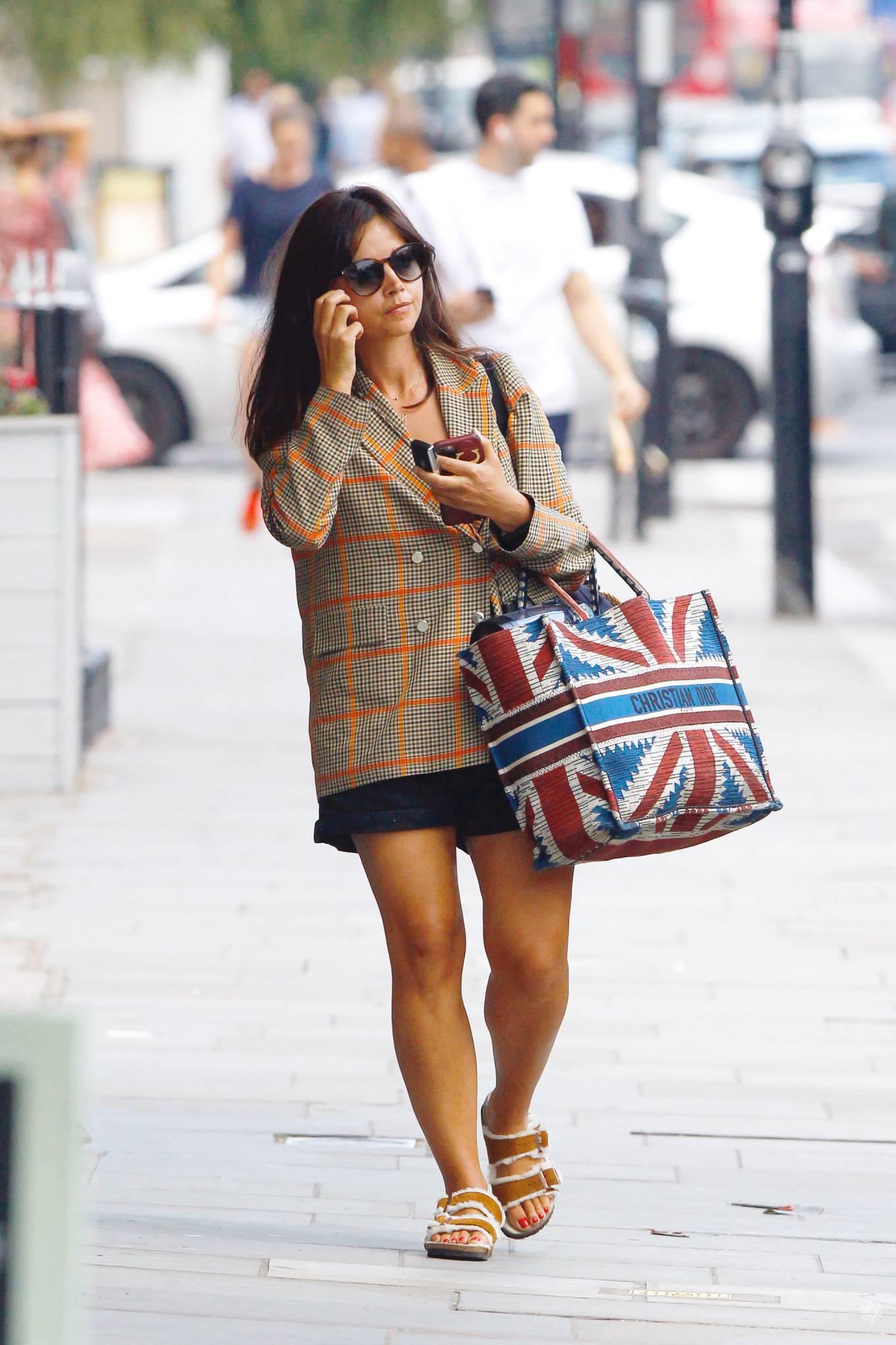 Jenna Coleman 2020 : Jenna Coleman – Shopping candids in London-08