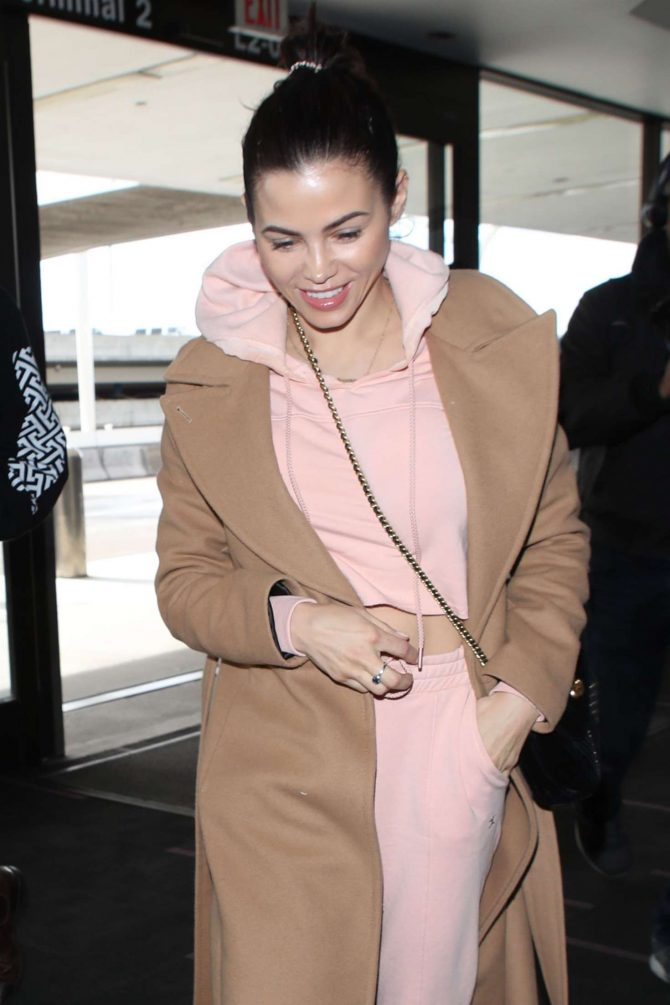 Jenna Dewan - Arrives at LAX International Airport in LA