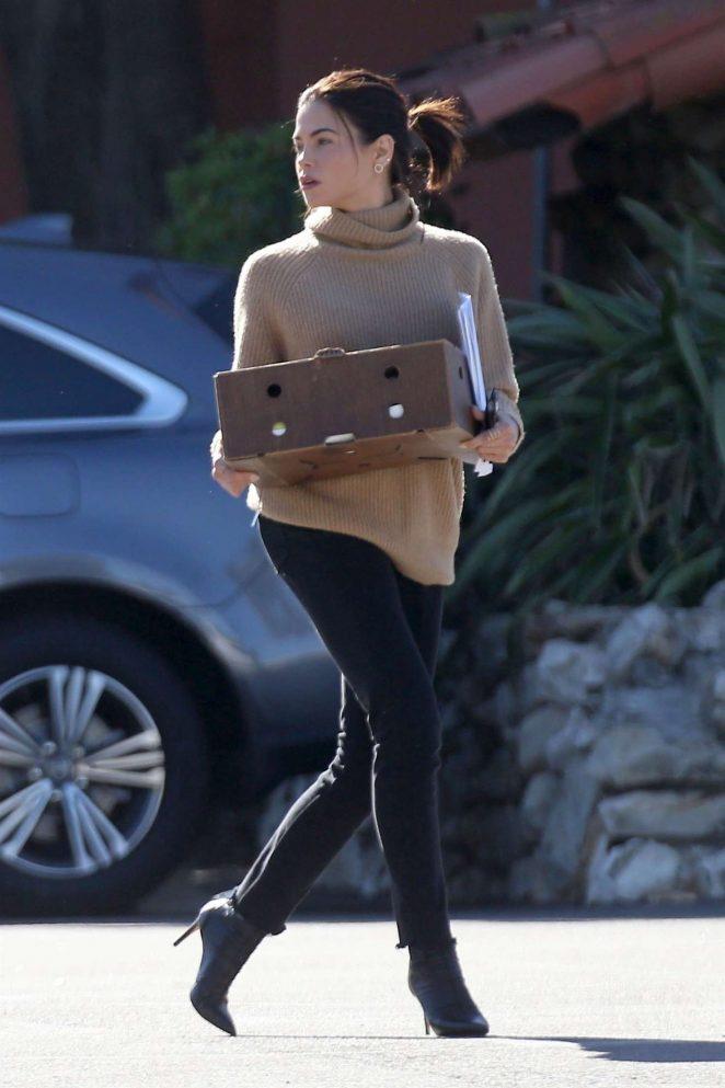 Jenna Dewan in Black Jeans -04