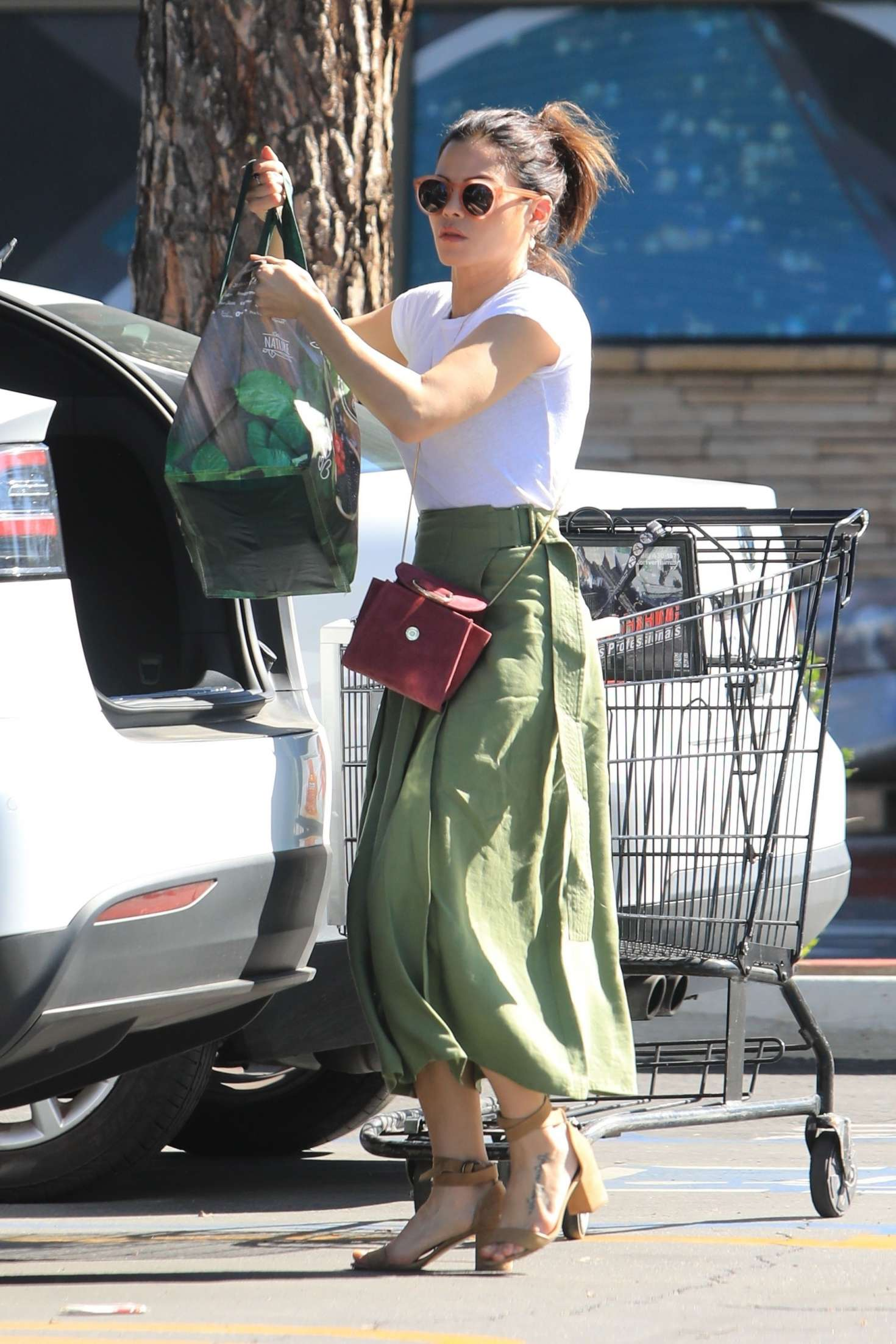 Jenna Dewan 2019 : Jenna Dewan in Green Skirt -06