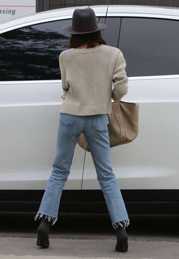 Jenna Dewan 2019 : Jenna Dewan in Jeans and Hat -02