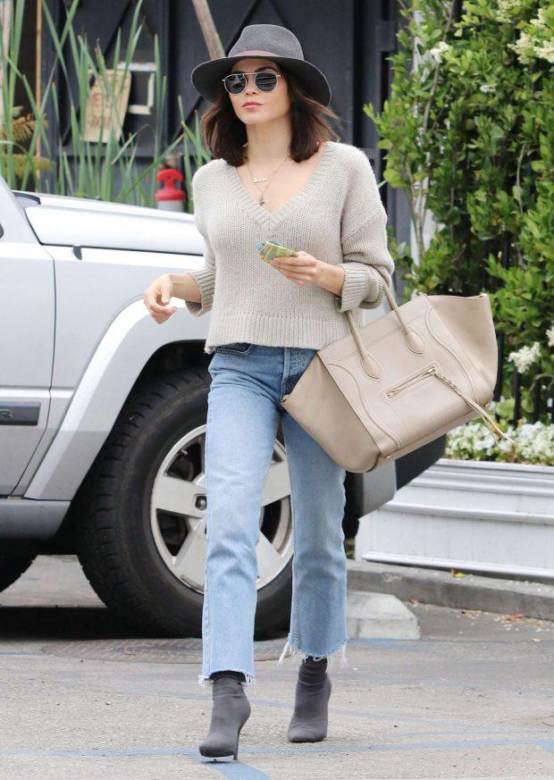 Jenna Dewan 2019 : Jenna Dewan in Jeans and Hat -04