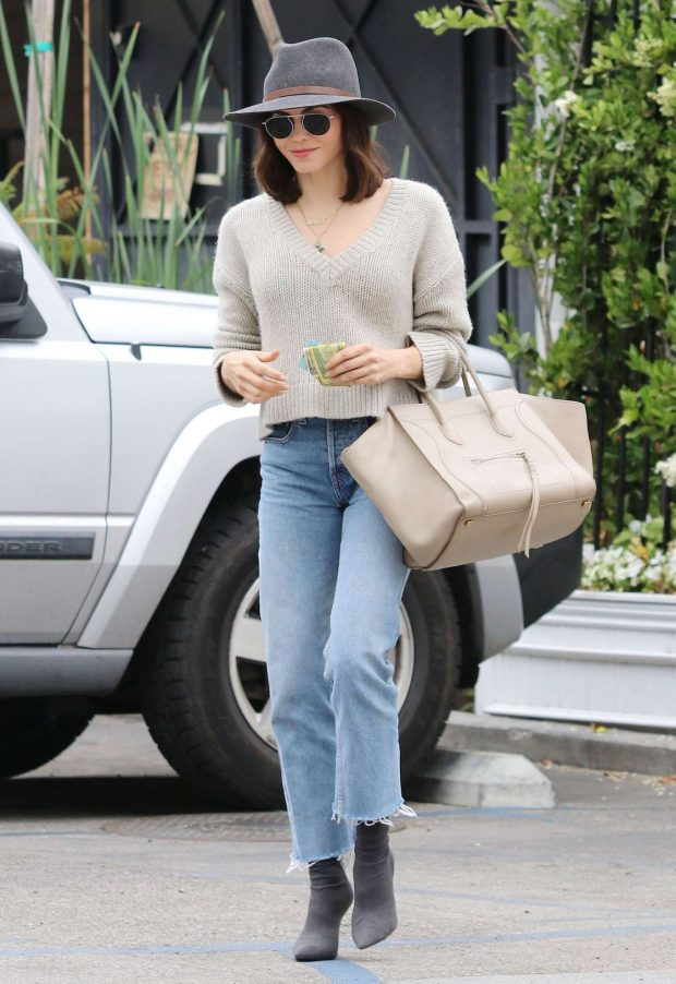 Jenna Dewan in Jeans and Hat -06