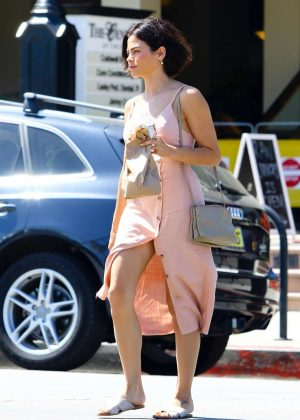 Jenna Dewan in Pink Dress - Arriving at movie set in Los Angeles