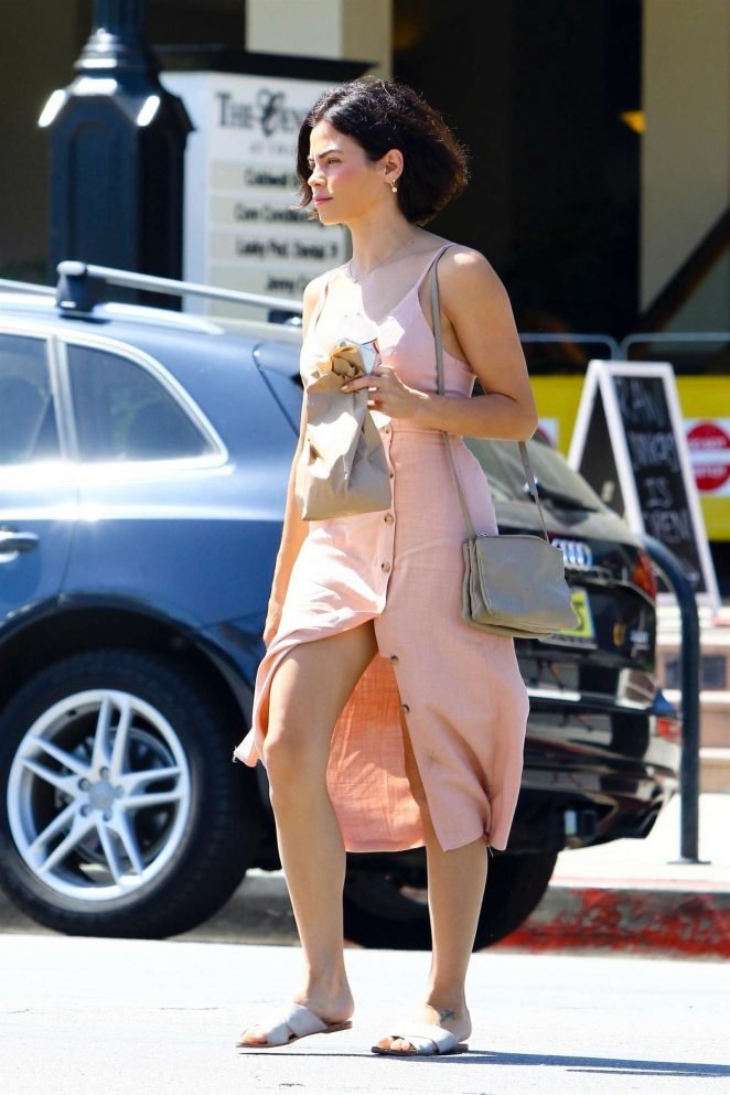 Jenna Dewan in Pink Dress - Arriving at movie set in Los Angeles