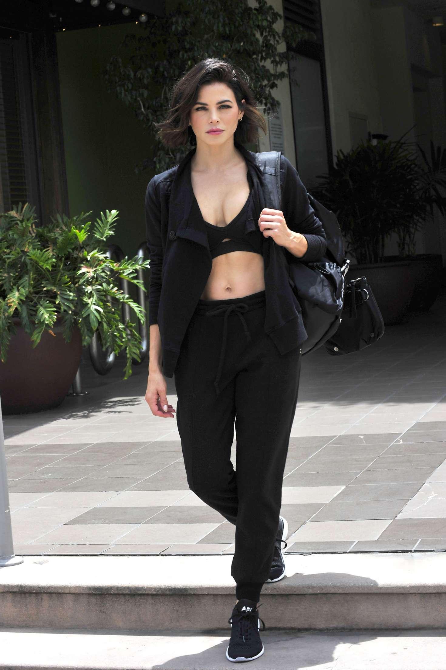 Jenna Dewan 2018 : Jenna Dewan: Leaving a workout class in LA -03
