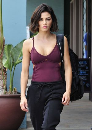 Jenna Dewan - Leaving a workout class in Los Angeles
