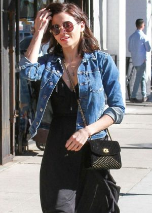 Jenna Dewan - Leaving Joan's On Third in Studio City