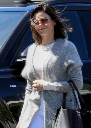 Jenna Dewan - Leaving Nine Zero One in LA