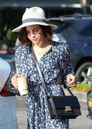 Jenna Dewan - Leaving the Switch store in Los Angeles