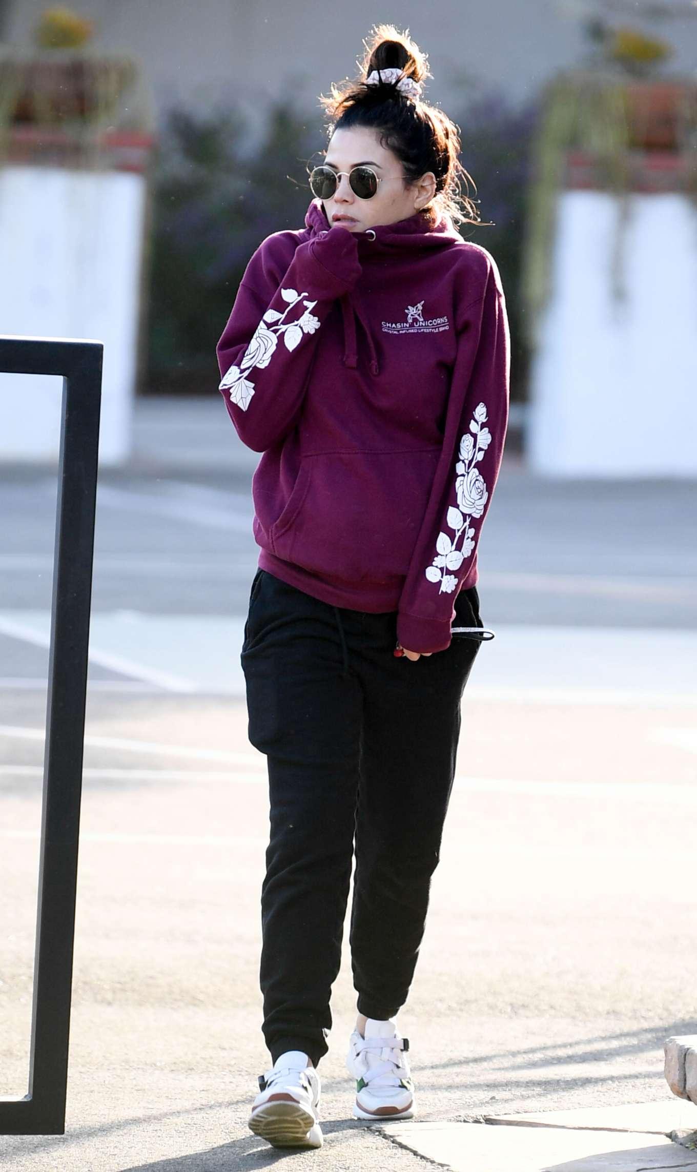 Jenna Dewan 2019 : Jenna Dewan – Out for a morning walk in Encino-08