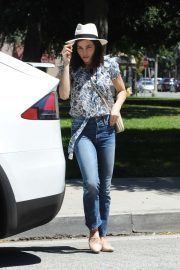 Jenna Dewan - Out in Encino