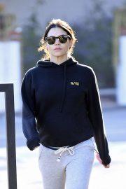Jenna Dewan - Runs early morning errands in Los Angeles