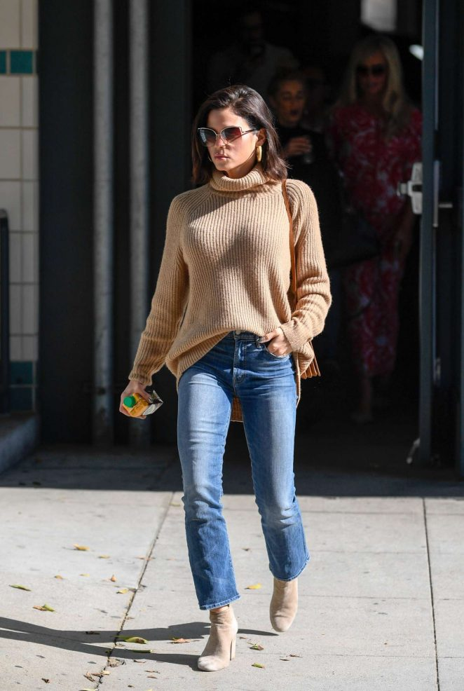 Jenna Dewan - Shopping in Beverly Hills