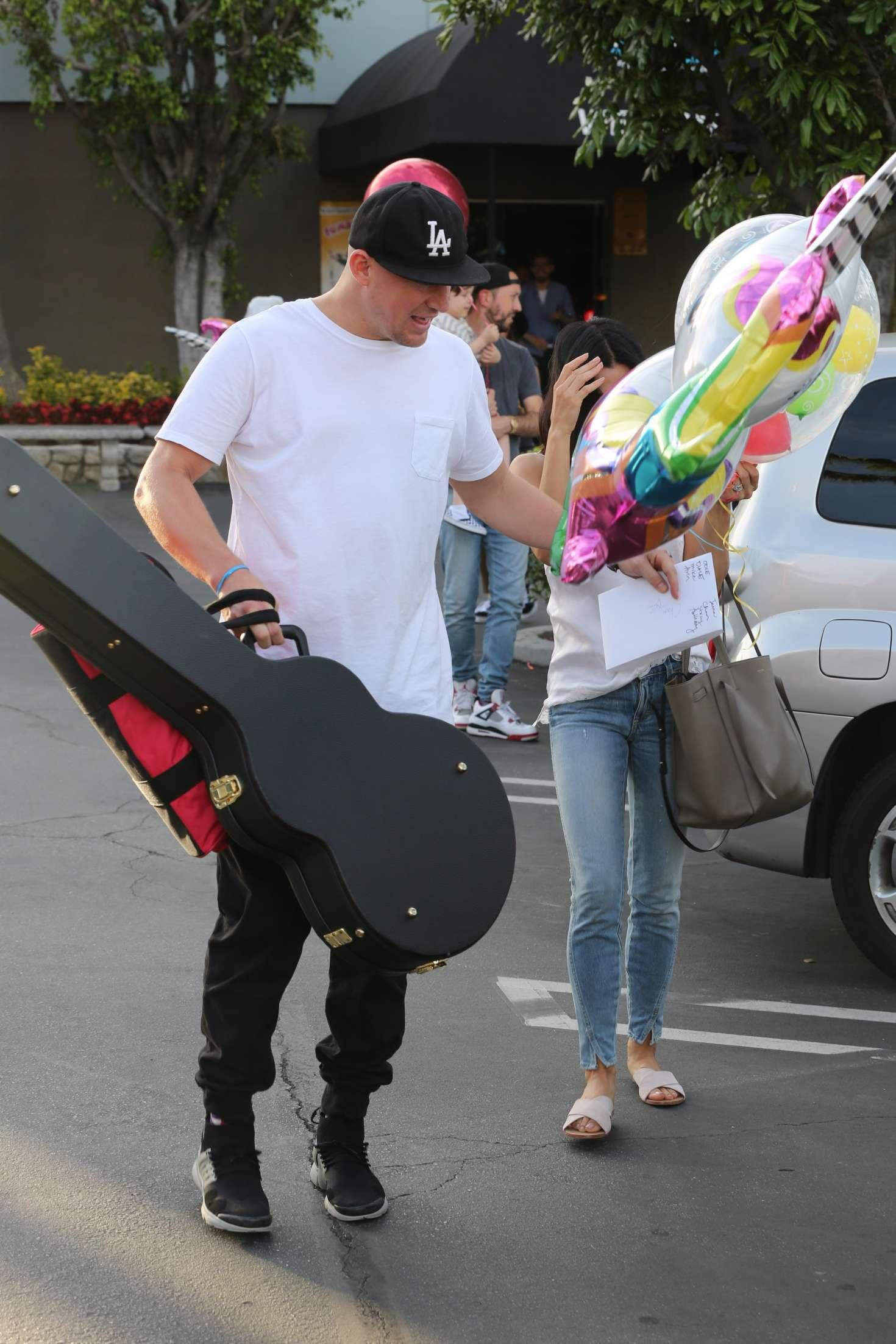 Jenna Dewan Tatum 2017 : Jenna Dewan Tatum celebrating Channings 37th birthday party at Pinz Bowling -12