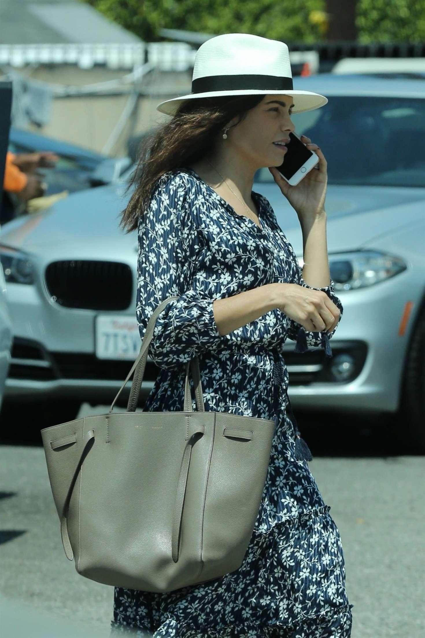Jenna Dewan Tatum - Grabs lunch in West Hollywood