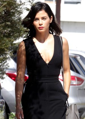 Jenna Dewan Tatum - Heads to a meeting in Los Angeles