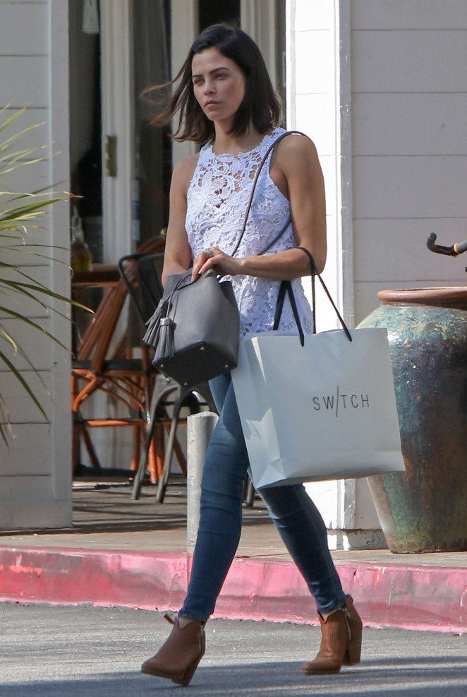 Jenna Dewan Tatum in jeans out for shopping -06