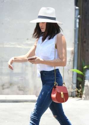 Jenna Dewan Tatum in Jeans Out in Los Angeles
