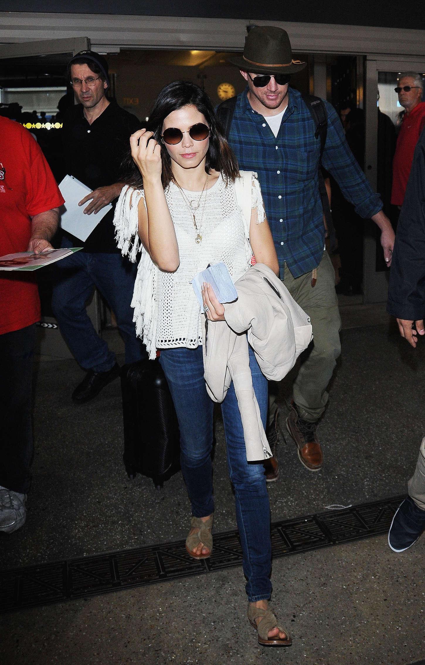 Jenna Dewan Tatum 2015 : Jenna Dewan Tatum: LAX airport -18