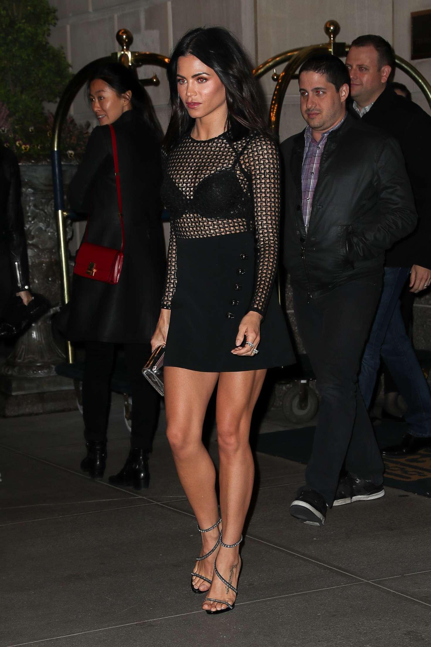 Jenna Dewan Tatum 2017 : Jenna Dewan Tatum Leaving her hotel -03