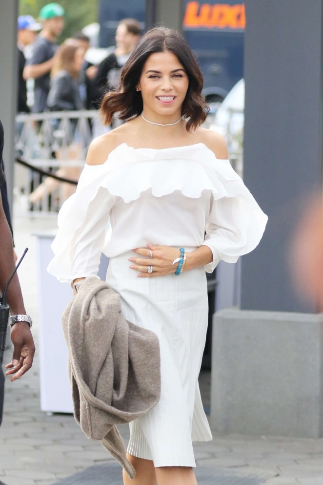 Jenna Dewan Tatum on the set of 'Extra' at Universal City