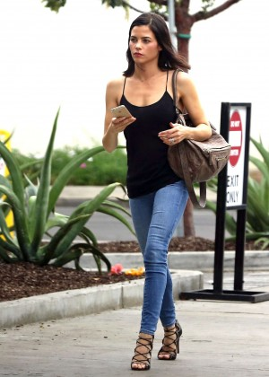 Jenna Dewan Tatum in Jeans out for lunch in LA