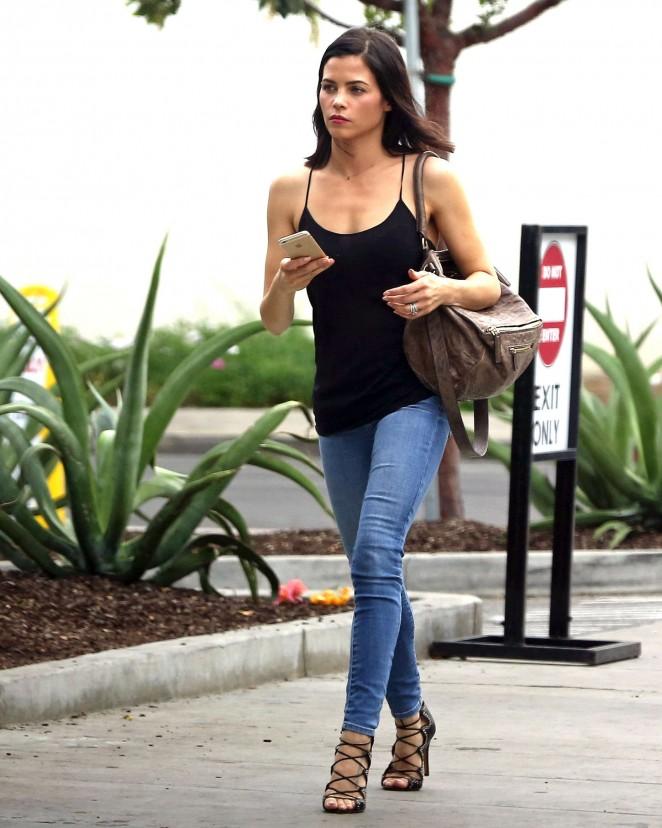 Jenna Dewan Tatum in Jeans out for lunch in LA