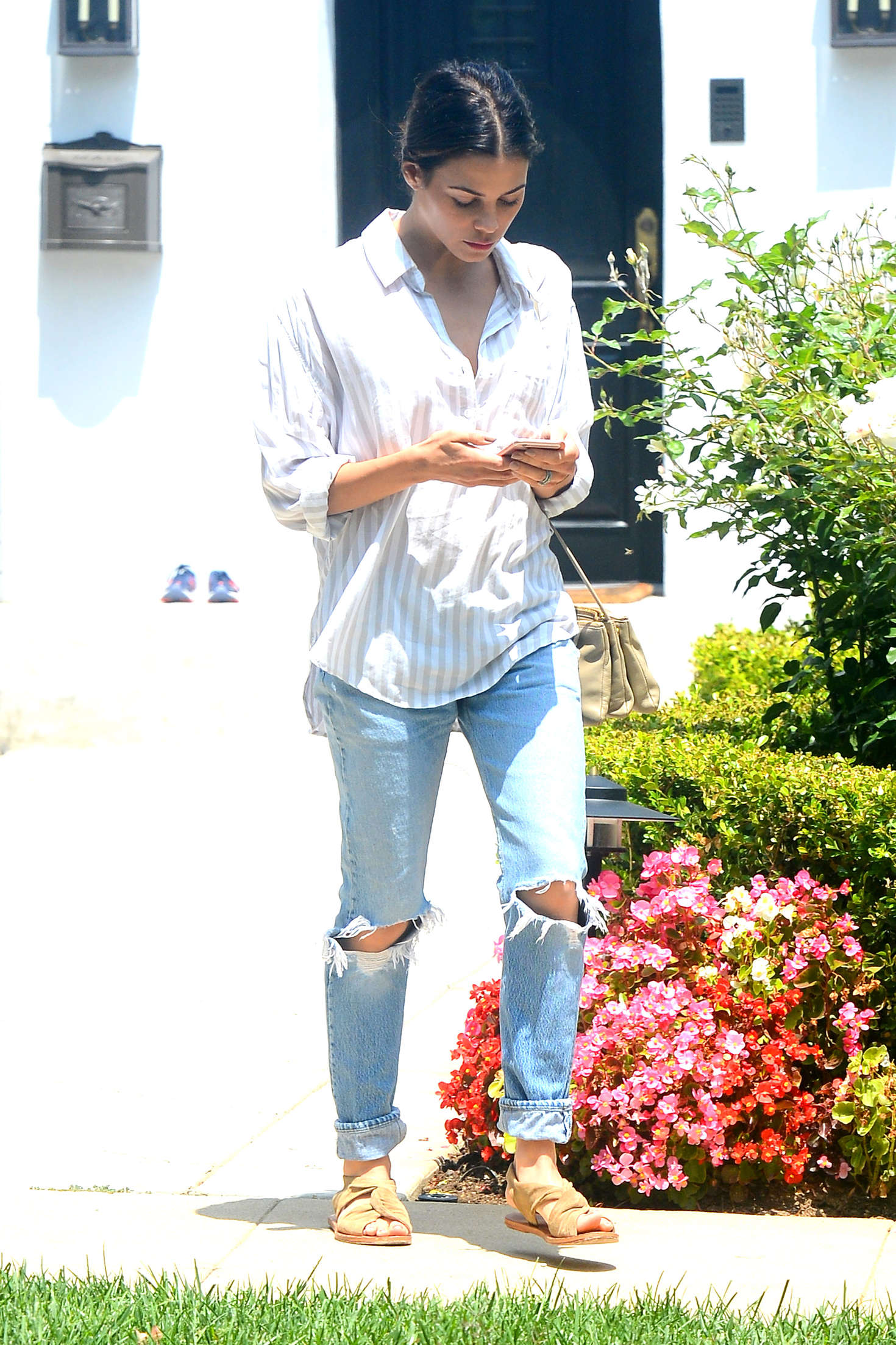 Jenna Dewan Tatum in Ripped Jeans Out in Beverly Hills