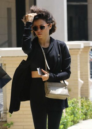 Jenna Dewan - Wearing all black outfit shopping in Los Angeles