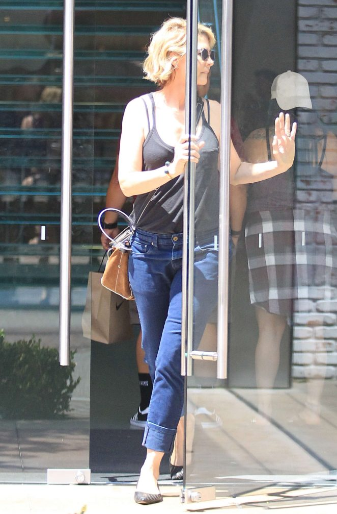 Jenna Elfman Shopping at the Grove in Los Angeles