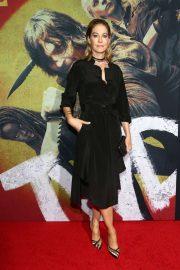 Jenna Elfman - 'The Walking Dead' Premiere in West Hollywood