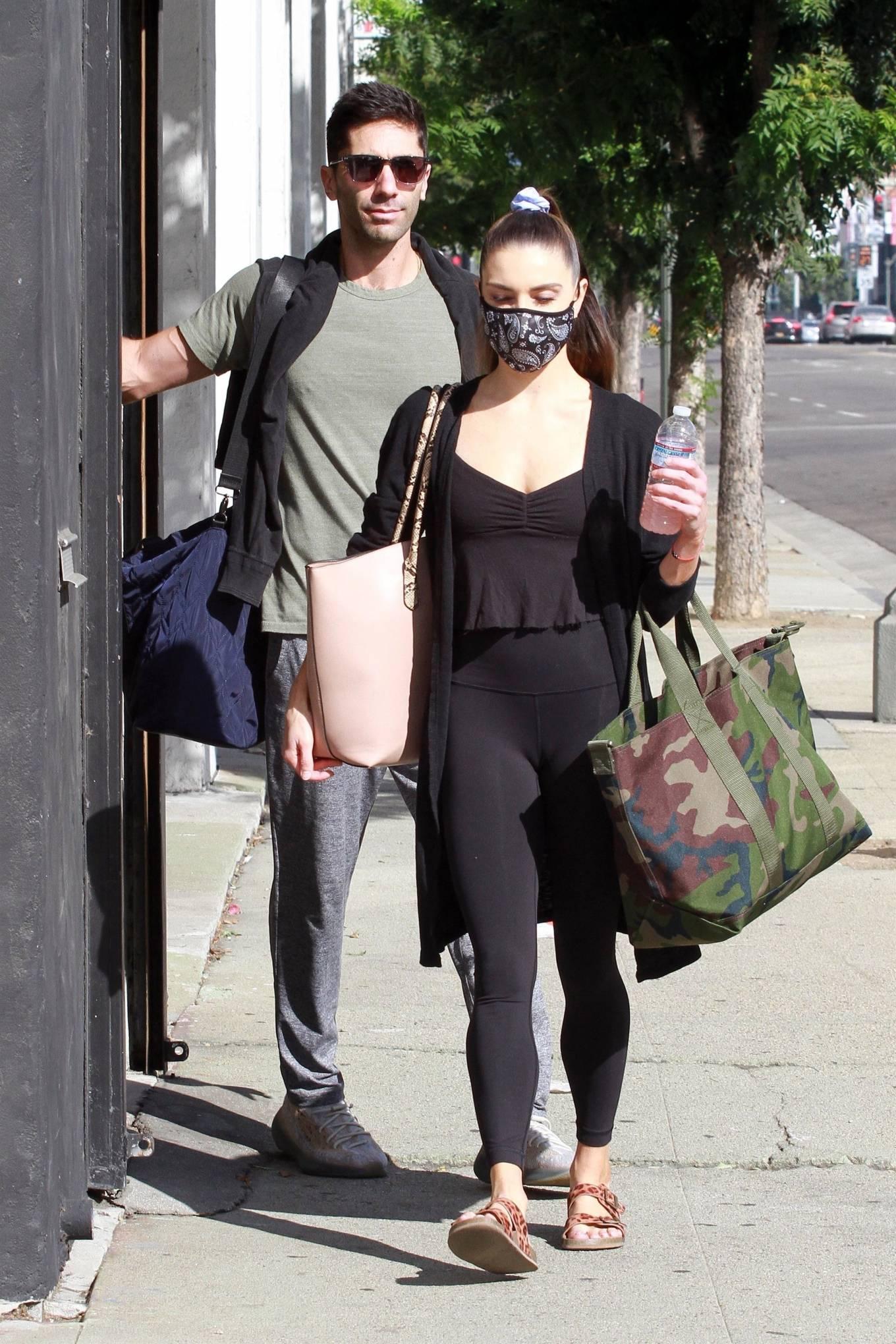 Jenna Johnson 2020 : Jenna Johnson – Arriving at a dance studio in Los Angeles-09