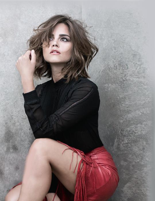 Jenna Louise Coleman - Harrods Magazine (Octobre 2015)