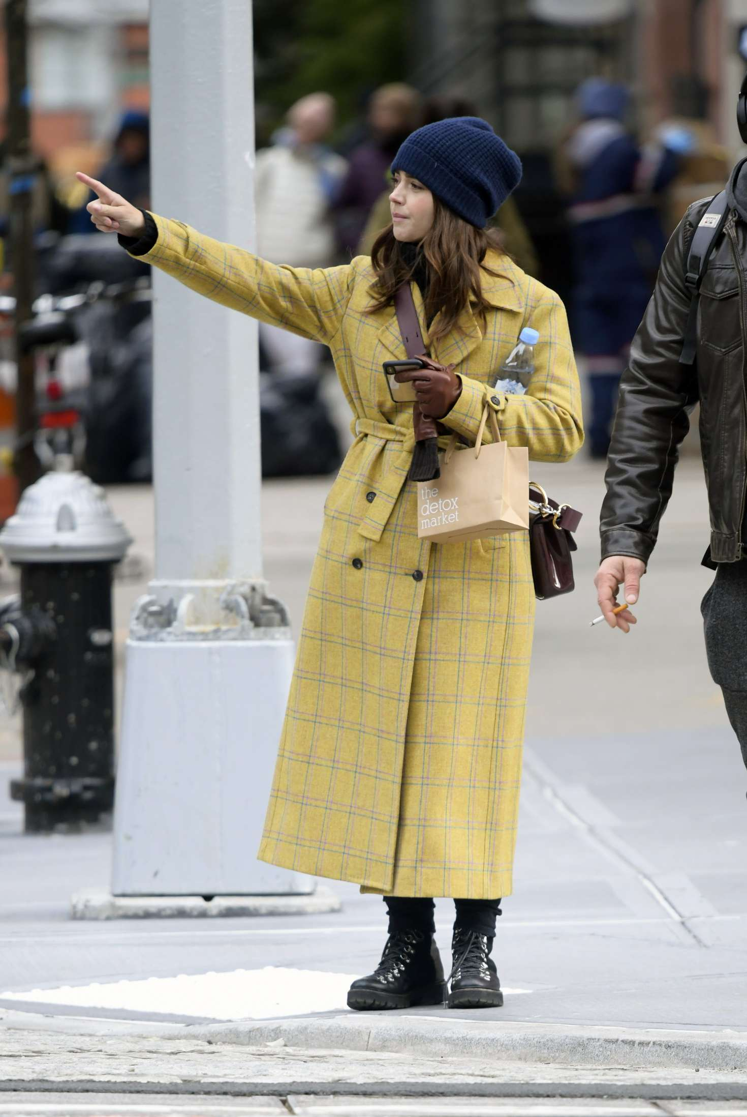 Jenna Louise Coleman – Shopping at Wholefoods and Detox Market in NYC