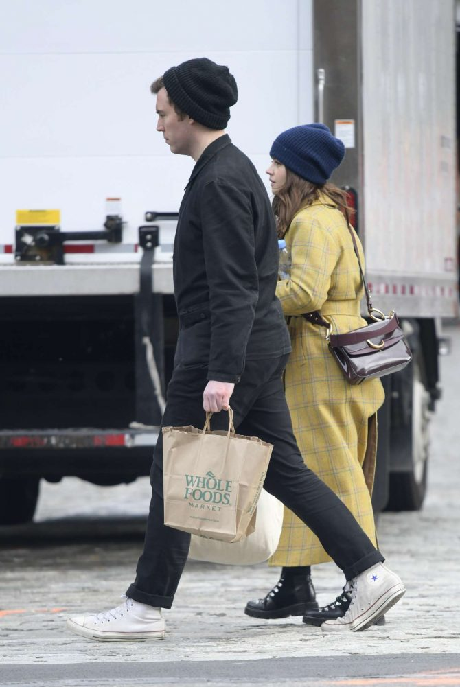 Jenna Louise Coleman: Shopping at Wholefoods and Detox Market -01