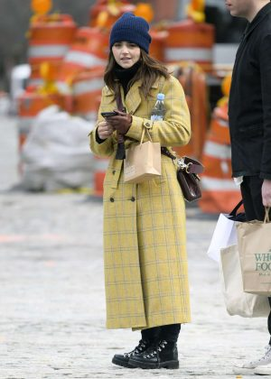 Jenna Louise Coleman - Shopping at Wholefoods and Detox Market in NYC