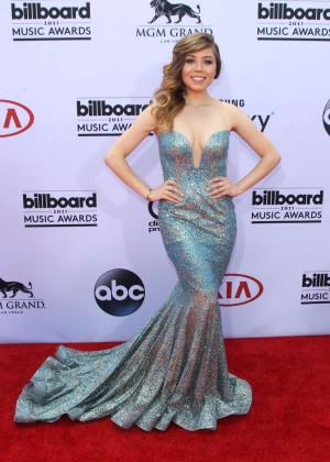 Jennette McCurdy: 2015 Billboard Music Awards -03