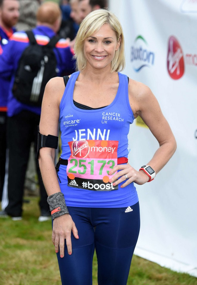 Jenni Falconer in Leggings at Virgin London Marathon 2015