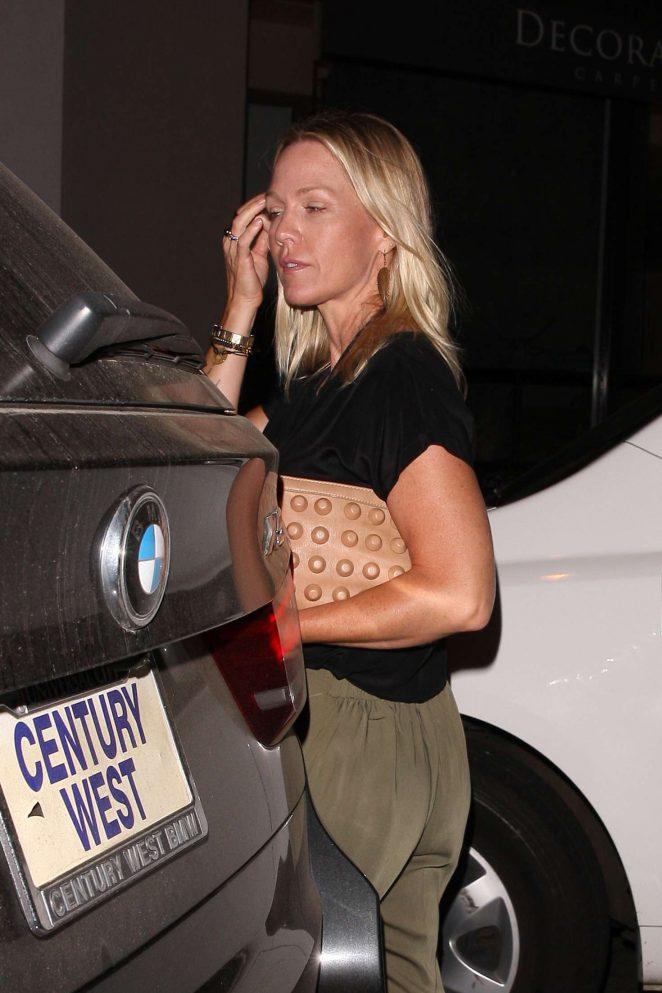Jennie Garth – Leaving Craig's Restaurant in West Hollywood