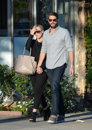 Jennie Garth with fiance David Abrams -01